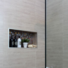 Modern Bathroom by designtank