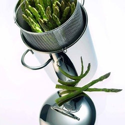 """Demeyere - Resto 6.3"""" Asparagus / Corn / Pasta Cooker Insert - The Demeyere asparagus cooker is made from 18/10 stainless steel with 2 handles, a lid and an asparagus basket with drain. This asparagus cooker is unique because in addition to the vertical cooking of asparagus, endives or other vegetables it is also ideal for the preparation of pastas. You can also blanch, boil and steam in it. Suitable for all cookers, induction included. Features: -Lid High gloss finish -3 Layer Base -Matte finish -Welded 18/10 stainless steel handles Specifications: -Diameter: 6.3"""" -Material: Stainless Steel 18/10 -Cleaning and care: Dishwater-resistant -Warranty: 2 year's guarantee (not for professional use)"""