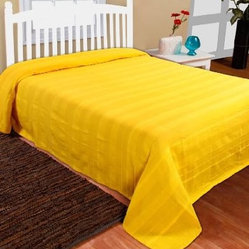 Rajput Pure Ribbed Throw Yellow - This Homescapes range of cotton soft furnishings is designed to provide a quick and extremely affordable makeover of any room. The colours have been chosen very carefully which include the current hot trends and also the ever green classics