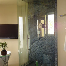 Contemporary Showers by Westlake Glass Inc