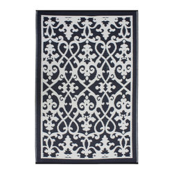 None - Prater Mills Cream/ Black Indoor/ Outdoor Rug - Update the look of your favorite space with one of these beautiful indoor/outdoor rugs. It's made of 100 percent recycled plastic which is tightly woven to provide strength and durability,and the material is impervious to moisture and mildew resistant.