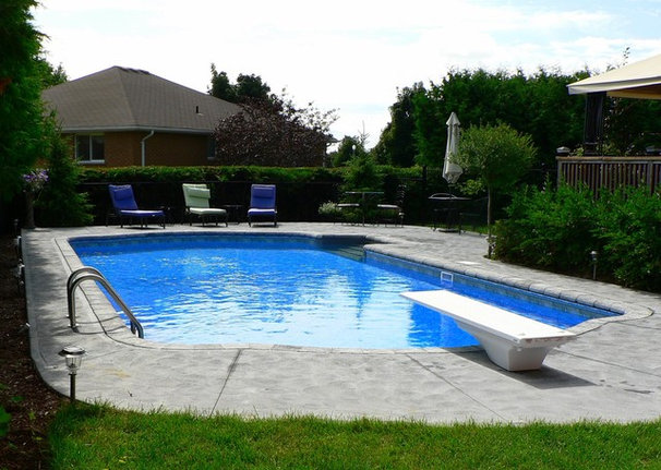 Traditional Hot Tub And Pool Supplies by Waterworld Pools