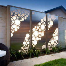 Modern Outdoor Decor by Outside In