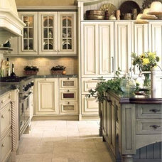 Beautiful kitchen cabinets // contrast between the ...