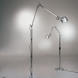 Tolomeo micro floor, design by Michele De Lucchi, Giancarlo Fassina - 1987, 1990 - Floor standing luminaires for adjustable direct task LED or incandescent lighting.