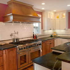 Traditional Kitchen Cabinetry by Lake Almanor Cabinetry and Design