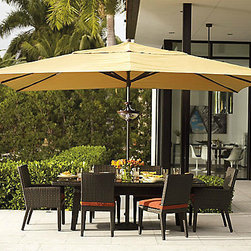 Easy Shade Outdoor Umbrella - Even sun worshippers need protection from the sun once in a while. This umbrella opens easily, with the touch of a finger.