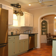 Is two-toned too much? - Kitchens Forum - GardenWeb
