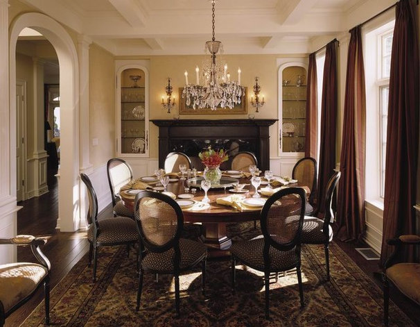Traditional Dining Room by Gelotte Hommas Architecture