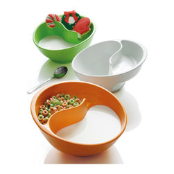 Brookstone® Obol® The Never-Soggy Cereal Bowl - Do you have a child who hates it when his or her food touches? Isn't this just the perfect solution?