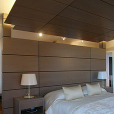 Modern Bedroom by ALCOVA architecture
