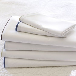 Morgan 400-Thread-Count Sheet Set - Nothing beats a bed made with fresh, crisp linens after a long day. This 400-thread-count cotton sheet set will make any guest have a great night's sleep.