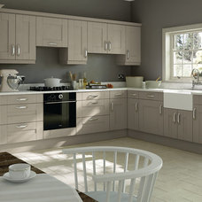 Modern Kitchen Cabinetry by Kitchen Door Workshop