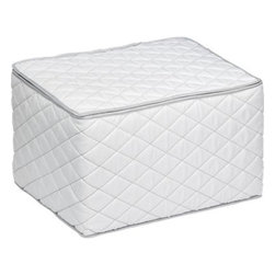 Stemware Storage Case - Cushioned and quilted, this storage container with zipper closure helps protect stemware in storage or transport. Stemware storage container accommodates 12 pieces.