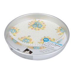 Wilton - Wilton Performance Round Cake Pan - Create fabulous cakes with this round cake pan from WiltonBakeware is the choice of serious bakers for wedding cakes and other special occasionsPan is constructed of thick,durable aluminum for professional results