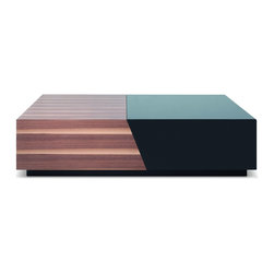 JNM Furniture - Modern Coffee Table in Two-Tone Finish - The SE067A is both cleverly functional, and simply appealing.This table merges Walnut Veneer with a black high gloss for a versatile look, and pulls apart to provide plenty of storage for everyday items.
