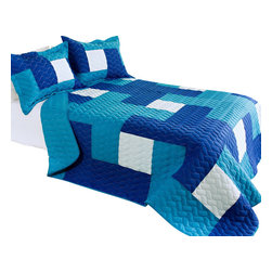 Blancho Bedding - Blue Hour Cotton 3PC Vermicelli-Quilted Patchwork Quilt Set  Full/Queen Size - The [Blue Hour] Quilt Set (Full/Queen Size) includes a quilt and two quilted shams. This pretty quilt set is handmade and some quilting may be slightly curved. The pretty handmade quilt set make a stunning and warm gift for you and a loved one! For convenience, all bedding components are machine washable on cold in the gentle cycle and can be dried on low heat and will last for years. Intricate vermicelli quilting provides a rich surface texture. This vermicelli-quilted quilt set will refresh your bedroom decor instantly, create a cozy and inviting atmosphere and is sure to transform the look of your bedroom or guest room. (Dimensions: Full/Queen quilt: 90.5 inches x 90.5 inches Standard sham: 24 inches x 33.8 inches)