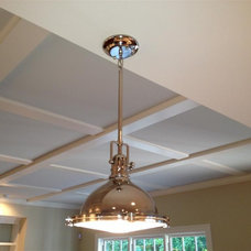 Traditional  by BROM Builders