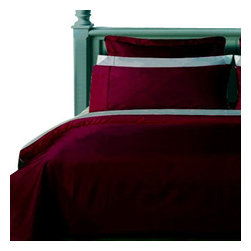 "Bed Linens - Twin XL Egyptian cotton Solid 3Pieces Alternative Comforter set, Twin XL, Burgun - Twin Extra Long (Twin XL) 3Pieces Comforter Set made from 100% Egyptian cotton with 300 Thread count per square inch. The 3Pieces set includes: 2PC Duvet cover set, duvet cover 66x90"" with button closure and 1 sham 20x26"" Plus One Down Alternative White Comforter to be inserted into the duvet cover."