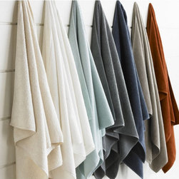 Organic Twill Towels - Organic towels in warm colors of rust and azure add a welcoming touch to your bathroom, while being useful and planet-friendly.