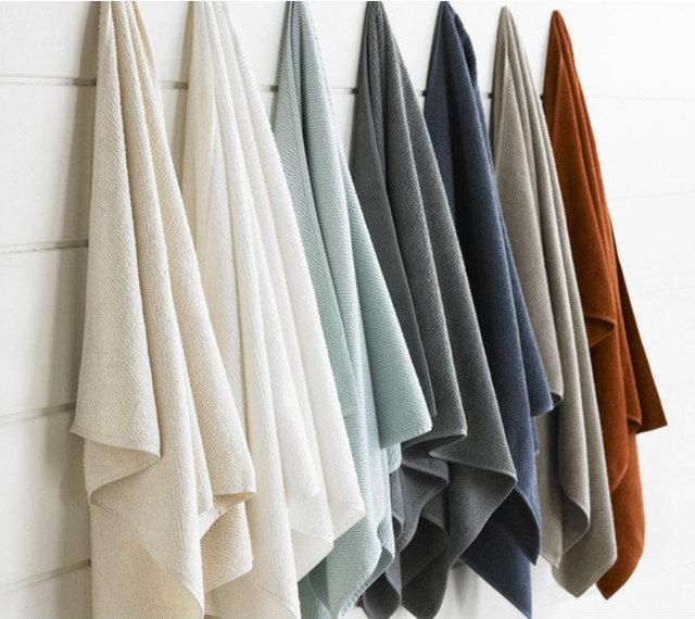 Modern Towels by VivaTerra