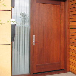 Magnolia Entry - This 3 layer insulated side light provides privacy while allowing abundant light into the entry.