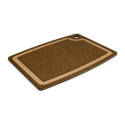 "Epicurean - Epicurean Gourmet Series 15"" x 11"" Cutting Board - Nutmeg/Natural - Release your inner gourmet with Epicurean® Gourmet Cutting Boards. The slightly thicker profile and heavier weight of these boards will give you confidence to cut and chop with gusto. They feature a juice groove on one side to keep things tidy and a flat food prep surface on the other - perfect for your most challenging recipes or more common fare. Bon appetit!"