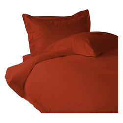 300 TC Duvet Cover with 1 Fitted Sheet Solid Tomato Red, Full - You are buying 1 Duvet Cover with 1 Fitted Sheet only. A few simple upgrades in the bedroom can create the welcome effect of a new beginning-whether it's January 1st or a Sunday. Such a simple pleasure, really-fresh, clean sheets, fluffy pillows, and cozy comforters. You can feel like a five-star guest in your own home with Sapphire Linens. Fold back the covers, slip into sweet happy dreams, and wake up refreshed. It's a brand-new day.