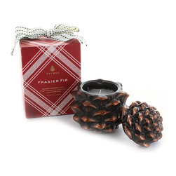 Thymes Frasier Fir Pinecone Candle - Just in time for the Winter Solstice and the Christmas holidays, Thymes Frasier Fir scented Pinecone candle is the perfect addition to any seasonal celebrations. Frasier Fir sets the mood with a fresh cut forest fragrance of Siberian Fir and notes of citrus, sandalwood, and cedar that merge to delight the senses. The season isn't complete without the rich, cozy, mountain fresh scent of Frasier Fir.
