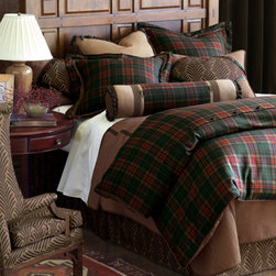 Reynolds Bed Set - Nothing says cabin more than plaid bedding. This bedding set is the perfect choice for a sophisticated cabin.