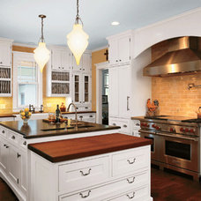 Traditional Kitchen Cabinetry by Avanti Kitchens & Granite, LLC