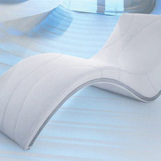 Contemporary Day Beds And Chaises Essen Modern Leisure Lounge Chaise in White