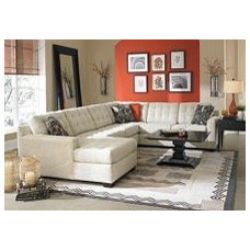 Tribeca Sectional from the Tribeca collection by Broyhill Furniture