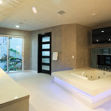 modern bathroom by Matteo Designs