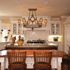 Traditional Kitchen by KAREN ZAPPETTINI, ASID
