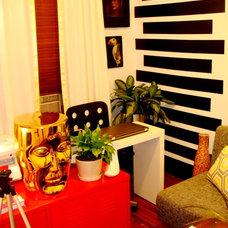 Modern Home Office by Michael Raun Home LLC