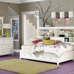 Lea Willow Run 4 Piece Sideways Platform Bedroom Set In Linen White - Classic framed top bookcase headboard,