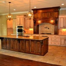 Traditional  by Waguespack Homes, LLC
