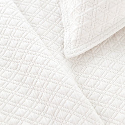 Pine Cone Hill - diamond matelasse coverlet (white) - Lightweight, easy-care cotton featuring a subdued geometric pattern. Available in a variety of colors ranging from bright and vibrant to demurely neutral. The perfect basic to dress up any bed. Pair coverlets with matching shams or mix with complementary colors for a fun look. Shams feature envelope back closure.��This item comes in��white.��This item size is��various sizes.