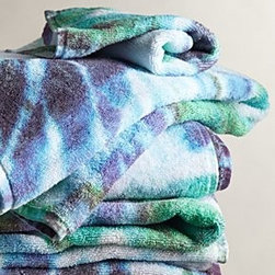 "Fresco Towels - Tie-Dye Towel - By Fresco TowelsTurkish cottonMachine washWashcloth: 12"" squareHand towel: 30""L, 20""WBath towel: 56""L, 30""WUSA"