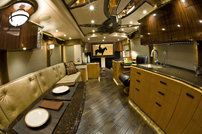 Eclectic  by Featherlite Coaches