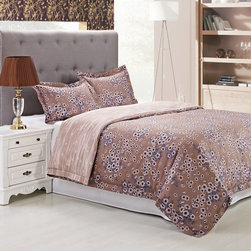 None - Cotton Hillcrest Brown Flroal 300 Thread Count Duvet Cover Set - Add beauty to your bedroom with the hillcrest 300 thread count cotton duvet cover set. Featuring a beautiful floral print design with a reversible abstract pattern,this set will add vibrancy to your decor