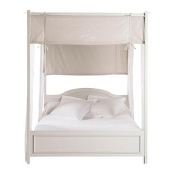 Manosque Canopy bed - Dreamy, no? I think this beautiful bed could look equally at home in a young girl's room or in the master bedroom of the house.