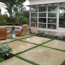 Modern  by Jeffrey Gordon Smith Landscape Architecture