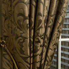Traditional Curtains by Gillian Gillies Interiors (GGI)