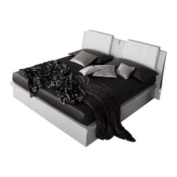 Rossetto - Diamond Platform Storage Bed in White by Rossetto USA - Features: