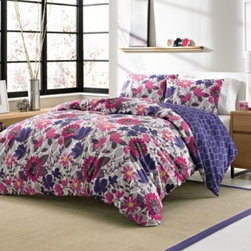Westpoint Home Llc - Zoey 3-4 Piece Reversible Duvet Cover Set - Outfit your bed in super-soft warmth and comfort with the Zoey bedding collection. This set includes a reversible duvet cover and a fluffy white-down-alternative comforter you can insert and remove from the duvet, making it perfect for year round use.