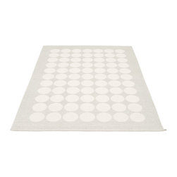 Pappelina - Pappelina HUGO area rug Fossil Grey/White Metallic - This  rug from Pappelina, Sweden, uses PVC-plastic and polyester-warp to give it ultimate durability and clean-ability. Great for decks, bathrooms, kitchens and kid's rooms. Turn the rug over and the colors will be reversed!