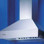 Viking Wall Mount Chimney Range Hood - Viking introduced professional cooking to the home when their first range shipped in 1987. Now that same exceptional performance extends into every corner of the kitchen - even the backyard. Refrigerators. Wine Cellars. Dishwashers. Grills. Cookware. Cutlery. Small appliances. It's enough to turn any cook into a chef. When people think of Viking, the bold, commercial look of the Professional Series range is the image that most likely pops into their heads.