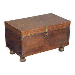 Sierra Living Concepts - Rustic Storage Trunk - Replace clutter with classic style with the Traditional Reclaimed Wood Rustic Storage Box Trunk Chest. This handmade storage box is built with eco-friendly reclaimed wood from Gujarat.